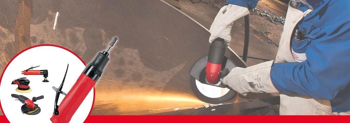 Titta närmare på vinkelslipar med spännhylsa tillverkade av Desoutter Industrial Tools. Ett komplett sortiment av tryckluftsdrivna vinkelslipar som förbättrar produktiviteten. Begär in en offert.