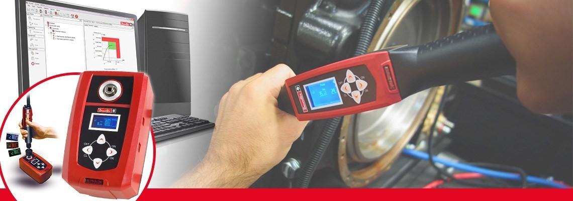 Alpha är ett digitalt momenttestinstrument som har utvecklats av Desoutter Industrial Tools som du kan använda för att övervaka och samla in momentkontrollresultat från skruvdragare, momentnycklar och spärrnycklar.